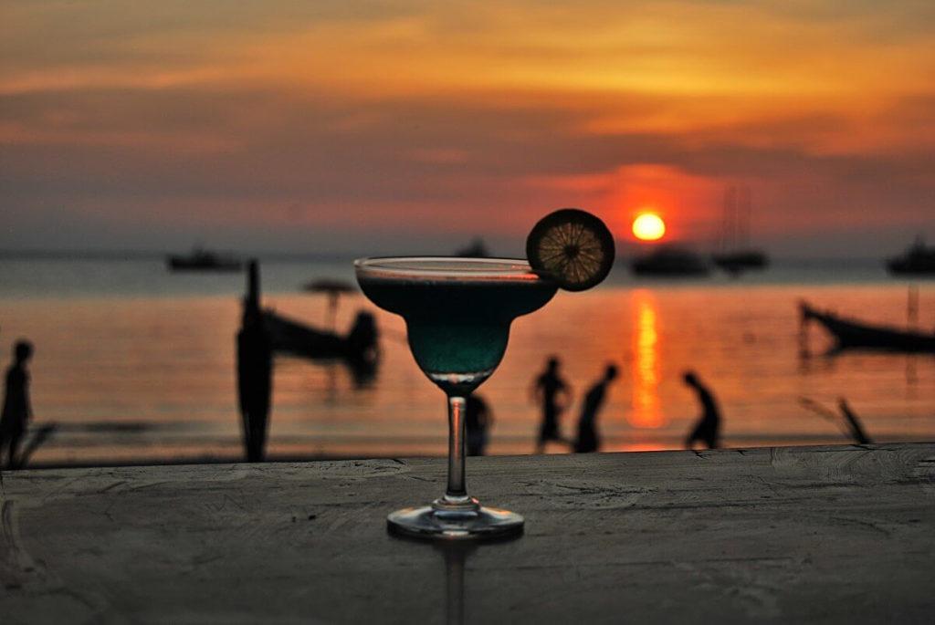 Esta es la imagen de una copa de gin sin alcohol