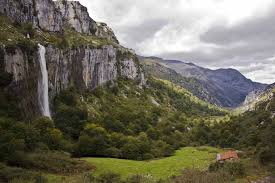 rutas de senderismo con GINSIN cascada del asón